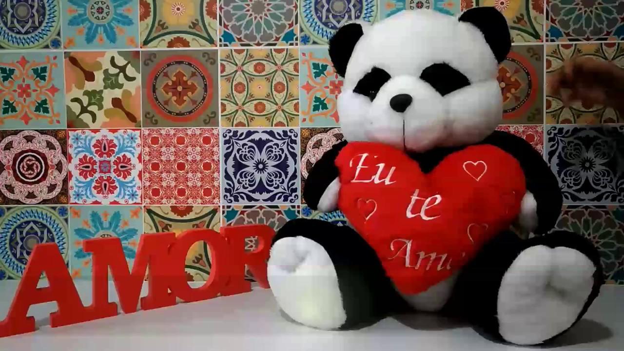 c057f9fe0ddffa Urso Panda de Pelúcia 50cm com Almofada Coração Eu Te Amo - Perlar