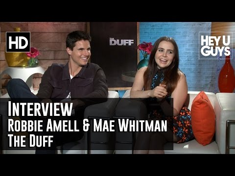 The Duff Interview - Robbie Amell & Mae Whitman (Comedy 2015)
