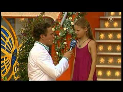 Fabienne Wurster 9 jr  aus Pfronten im Allgäu   99 Luftballons Nena, Das rote Mikrofon bei der 13  Immer wieder sonntags Sendung vom 21  August 2011