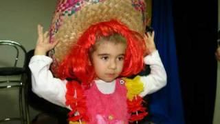 Gabriela si povestea Scufita Rosie! www.fotodeva.ro
