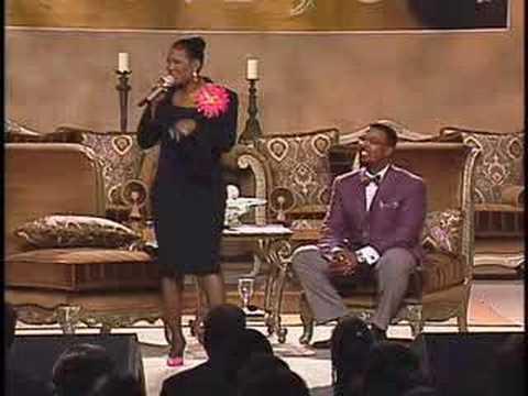 Juanita Bynum Threatens Husband With Brick