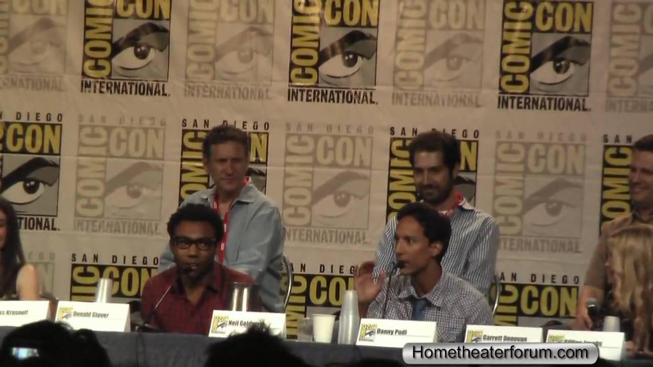 2010 Comic-Con Community Panal Abed and Troy Rap - YouTube