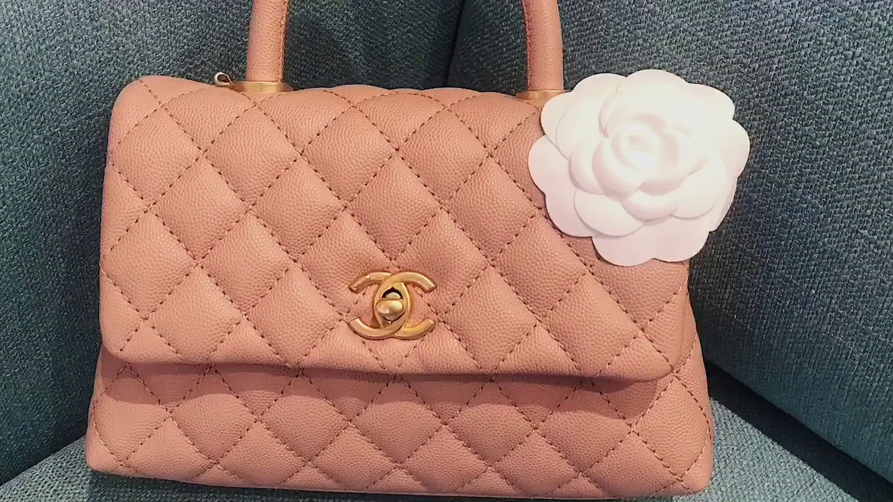 9b8951fce29a1c Unboxing Chanel 18S mini coco handle in beige - YouTube