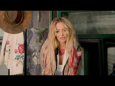 Смотреть клип Delia - Vreau La Tara