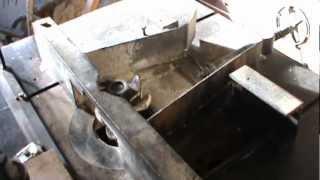Как сделать фрезер,  вертикальный фрезерный станок(http://samodelpshelovod.ru Как сделать фрезер, вертикальный фрезерный станок ,деревообрабатывающие станки своими..., 2013-02-04T19:41:36.000Z)