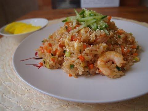 Вопрос: Как приготовить жареный рис с креветками?