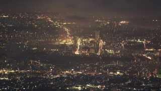 8月2日は関東平野で、約40か所の花火大会が開催された。 伊勢原の大山頂...