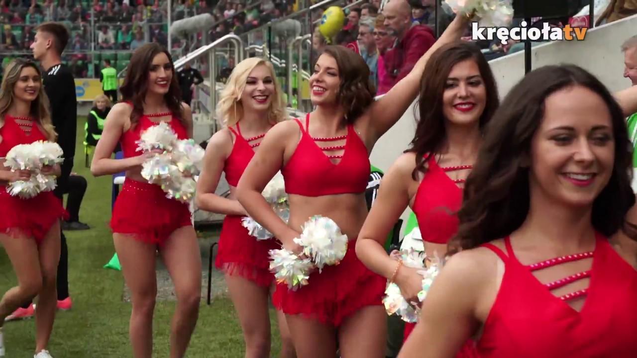 Gwiazdy TVN na meczu charytatywnym #wielkimecz