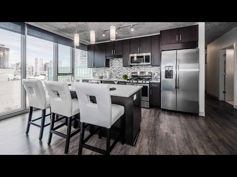 A walk through a 2-bedroom, 2-bath apartment at Gateway West Loop