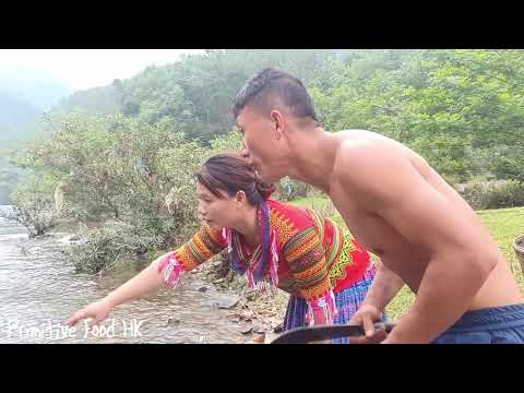 Skill catching fish - Skill catch many fish in the river and grilled fish eating delicious