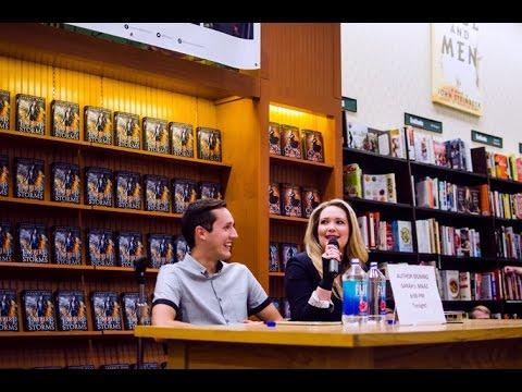SARAH J MAAS EVENT @ B&N FENTON, MO