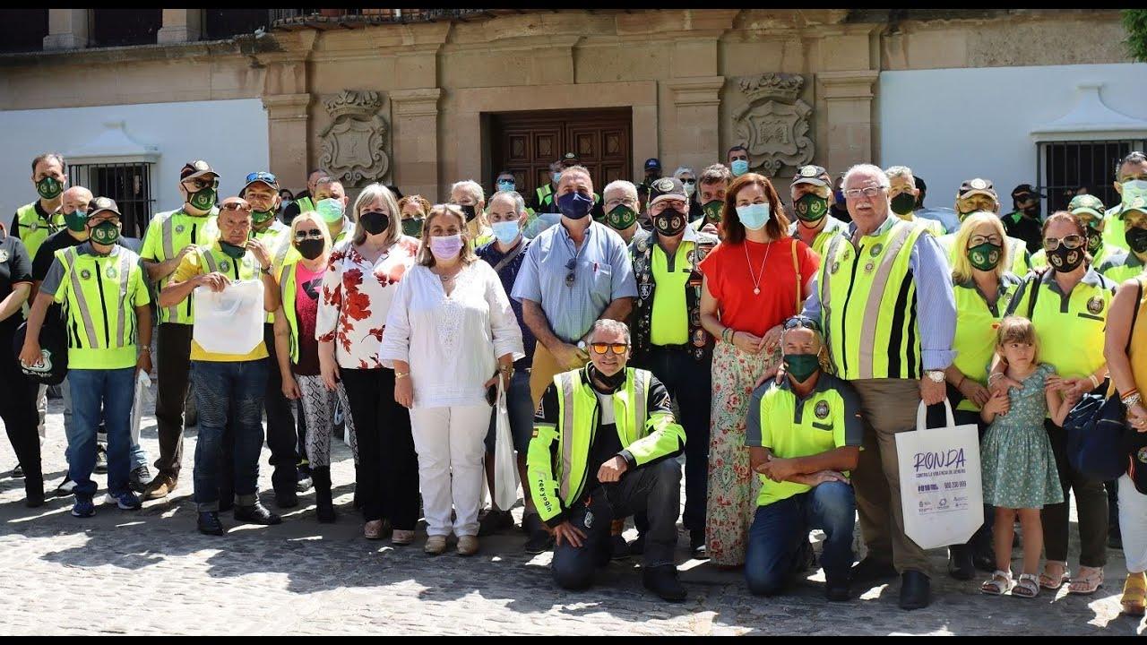 La asociación motera Caballeros del Asfalto entrega a Solidarios en Ronda 250 kilos de alimentos
