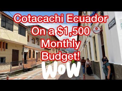 Cotacachi Ecuador on