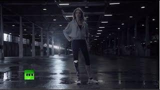Никогда не останавливайся: Водянова надела протез для съемок в ролике в поддержку паралимпийцев