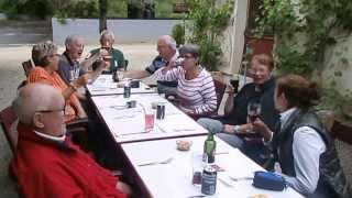 Apéro entre amis au camping La Castillonderie à Thoanc- Montignac.
