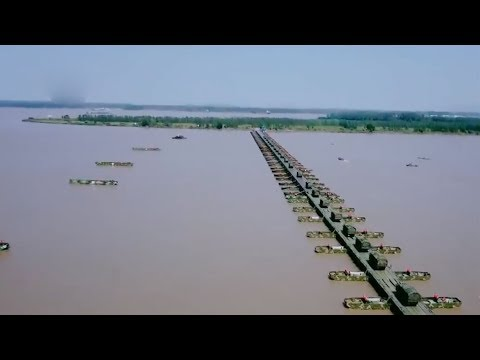 Chinese Army Builds Bridge Across Yangtze River In 26 Minutes