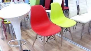 видео пластиковые стулья