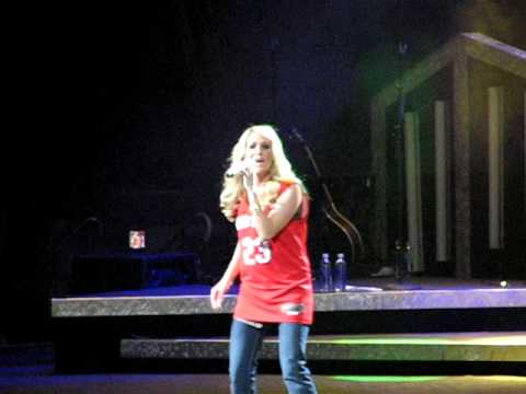 Carrie Underwood - Paradise City