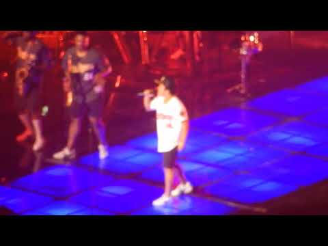 """Bruno Mars - """"Locked Out Of Heaven"""" Live 2017. Barclays"""