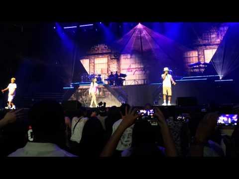Nicki Minaj & Rae Sremmurd - Throw Sum Mo - The PinkPrint Tour (Concert)