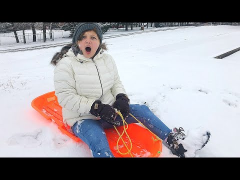 OUR CRAZY SNOW DAY Routine! How to Make Snow Ice Cream!