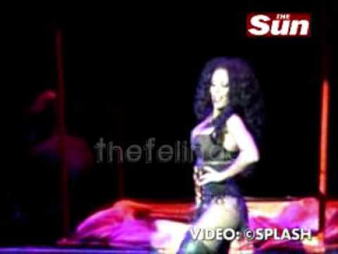 TheSun - Trecho de show sensual de Mel B [HQ]