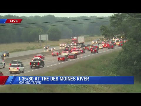 Car Accident At I-35/80 At The Des Moines River