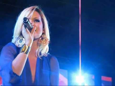 Tami Chynn - Over and Over Again (Live at Shaggy & Friends 2012)