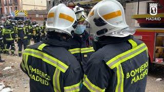Cuerpos de emergencias trabajan en la zona de la explosión en Madrid