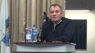 Профессор Национального университета физического воспитания и спорта Украины Платонов.