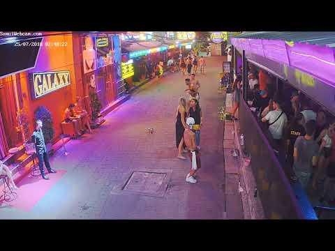 Koh Samui - Sweet Soul Cafe / Hush Bar. Tupac V's The BREAK DANCER!