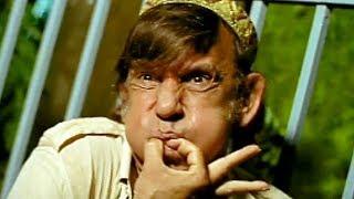 Razzak Khan's friend land in jail | Chor Mandli | Bollywood Scene 1/18