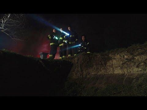 【911】男人登山时遇难身亡,7年后鬼魂拔打了911热线……《紧急呼救S2-07》