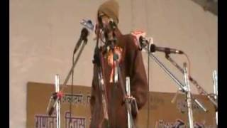 kareena kaitreena ki tasveere funny poetry by mukhtar yousufi