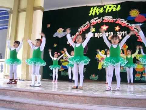 Múa: Em học nhạc - Nhóm múa Trường MN Hoa Mai (ngày 20/12/2010)