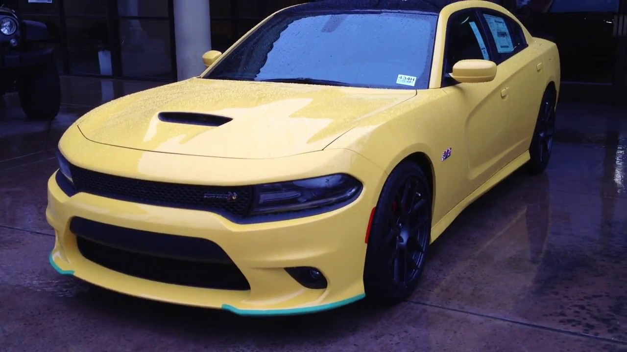 2017 dodge charger r t scat pack in yellow jacket youtube. Black Bedroom Furniture Sets. Home Design Ideas