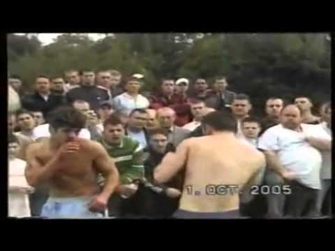 Tough Gypsy vs tough non gypsy! bareknuckle fight! MUST WATCH