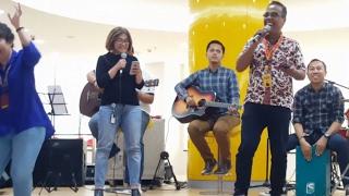 Dikerjain Saat Ngerjain - Pakbro Gaol dan Ukon Komarasari di Indosat Singing Star