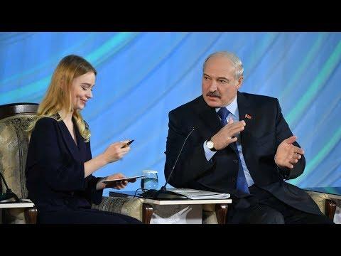 Как у Путина и Си Цзиньпина - Лукашенко подарил свою уникальную ручку студентке