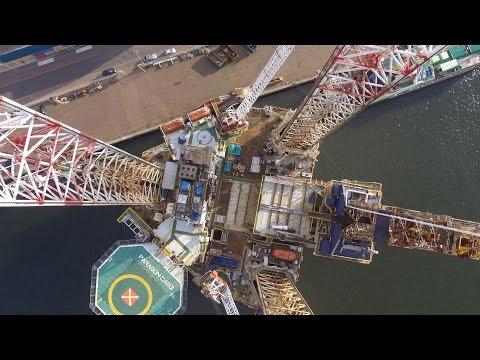 Boorplatform haven IJmuiden  drone vlucht