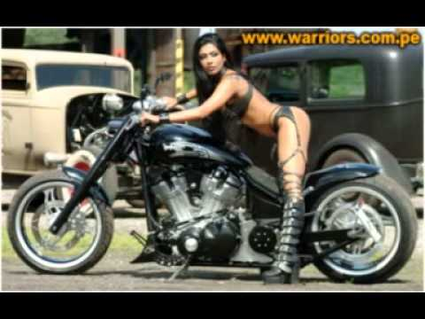 gatas lindas  de  moto
