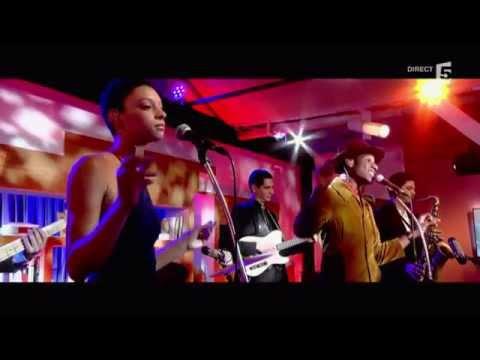 """Leon Bridges, en live avec  """"better man"""" - c à vous - 07/09/2015"""