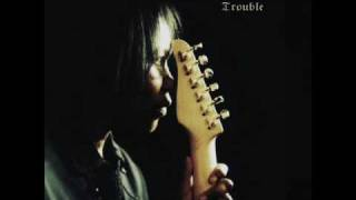 Watch Joan Armatrading Trouble video