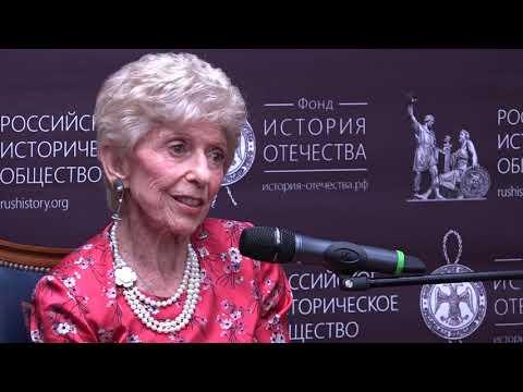 Элен Каррер д'Анкосс представила книгу о Шарле де Голле в Доме РИО