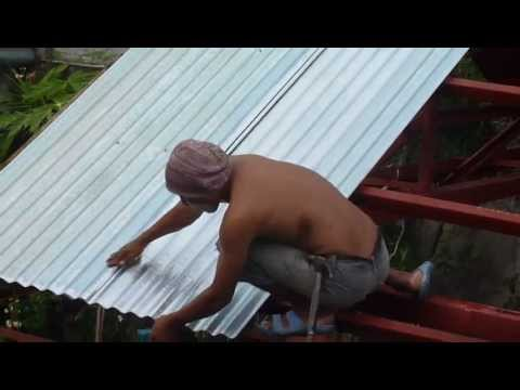 Screwing Tin Sheets To Roof Frame 10 18 12 Youtube