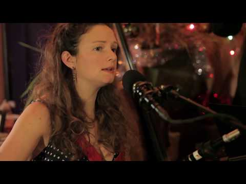 Last Christmas (live) - cover by Beth Porter & The Availables