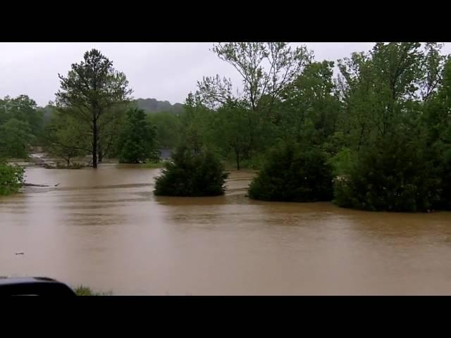 Linden Drive Neighborhood Flood #7 - Nashville Flood 2010