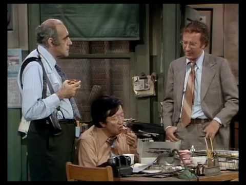 Barney Miller  Landesberg, Vigoda and Soo talk doughnuts