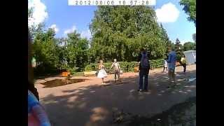 Невеста в тапочках, жених без костюма - Молодожены 2013