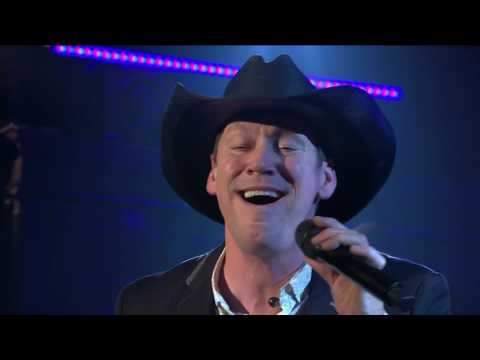 Robert Mizzell |  Travelling Shoes | TG4